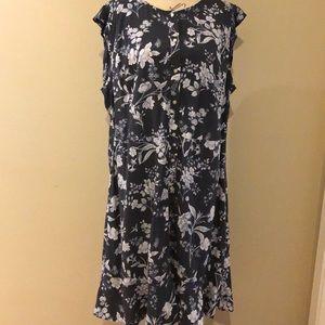 LOFT Plus Gray and white floral dress size 18